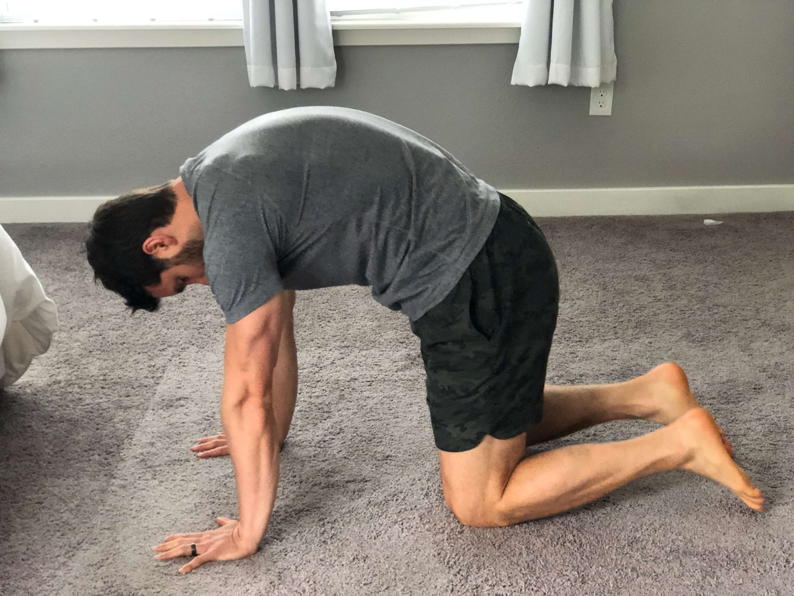 yoga for neck and shoulders catcow postion2